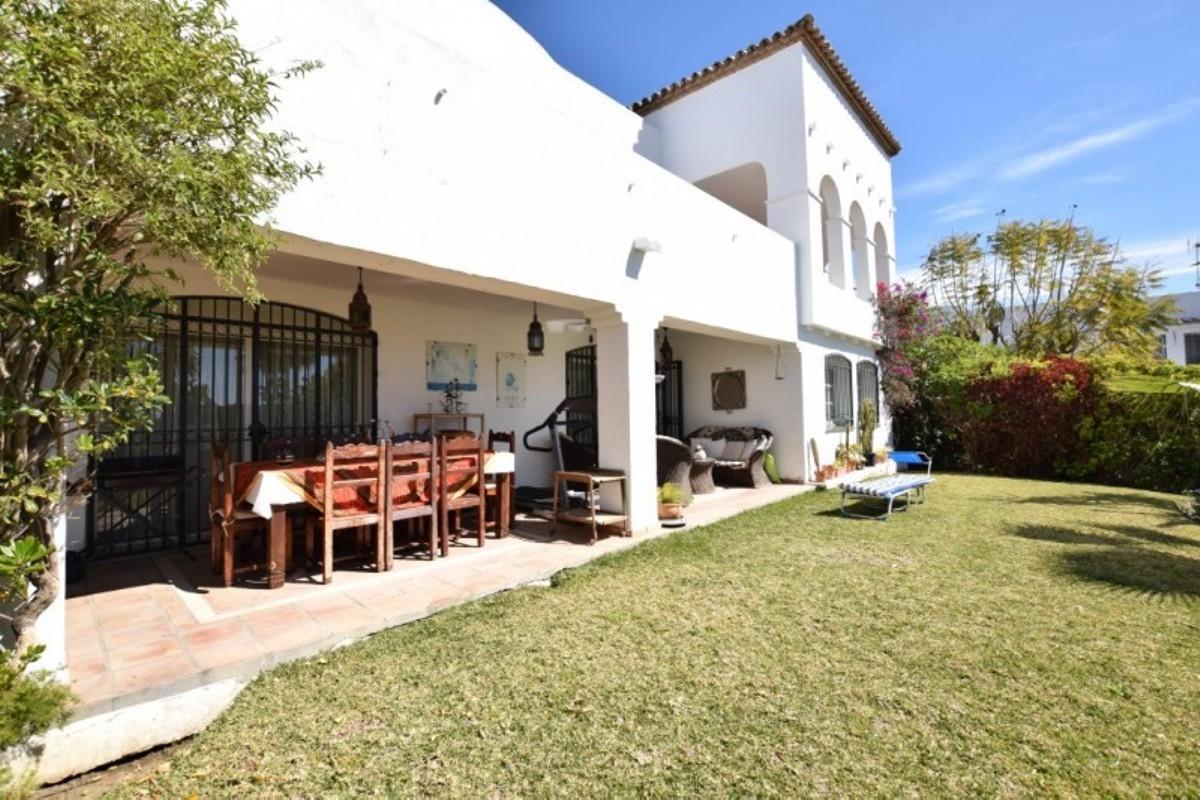 Villa in Jardines de Bel Air