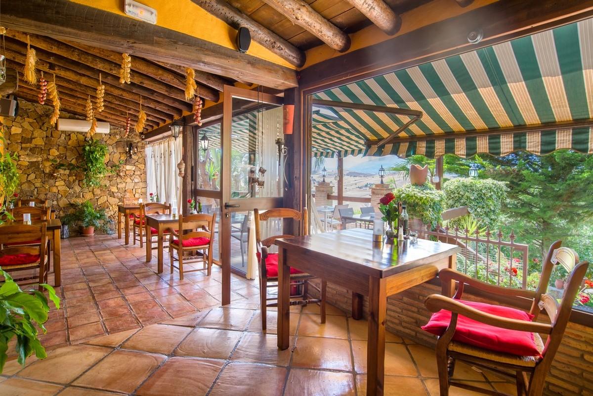 Hotel restaurant in Cártama