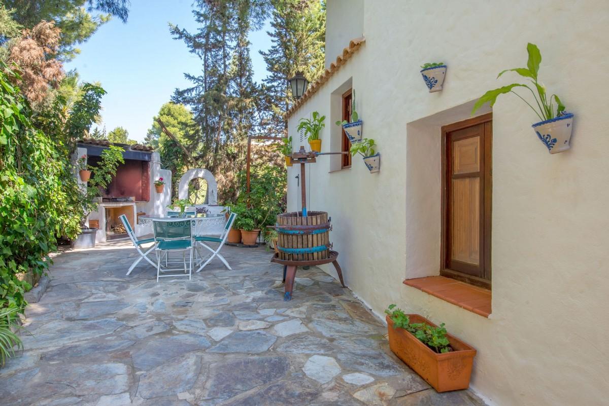 Villa in Estepona Atalaya Alta