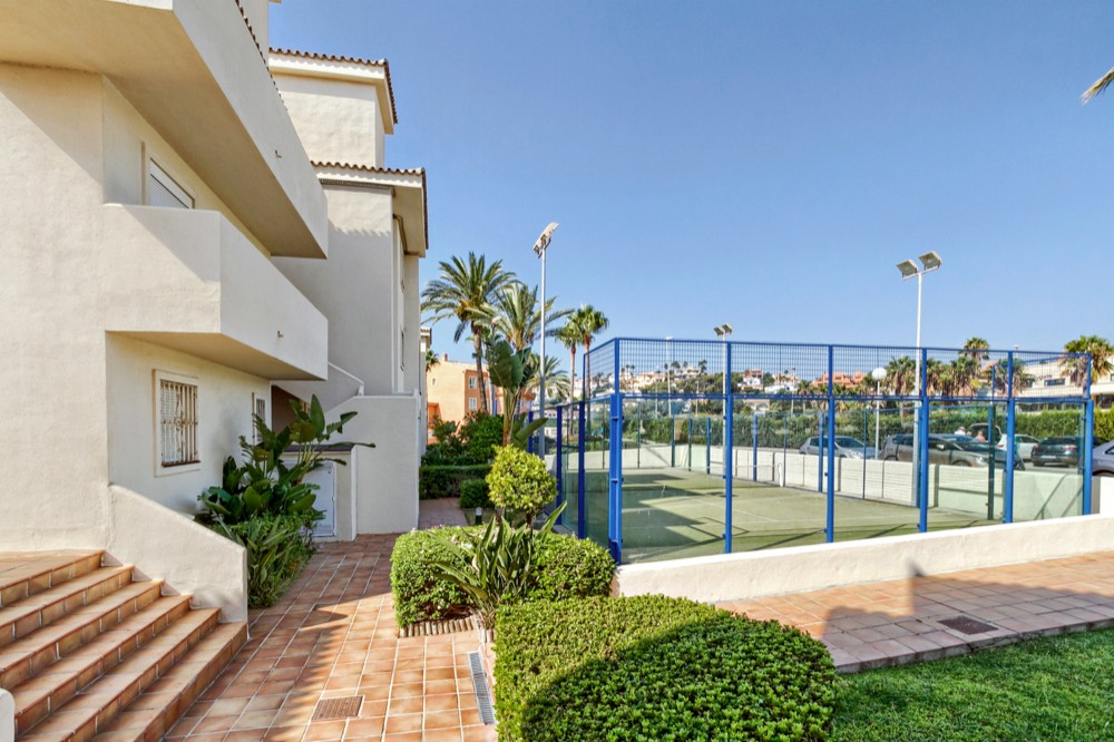 Beachfront apartment in Estepona