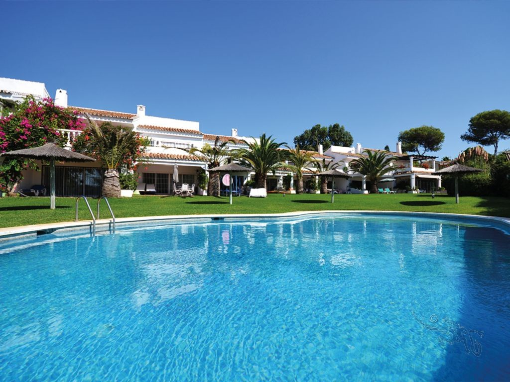 Beach townhouse in Marbella