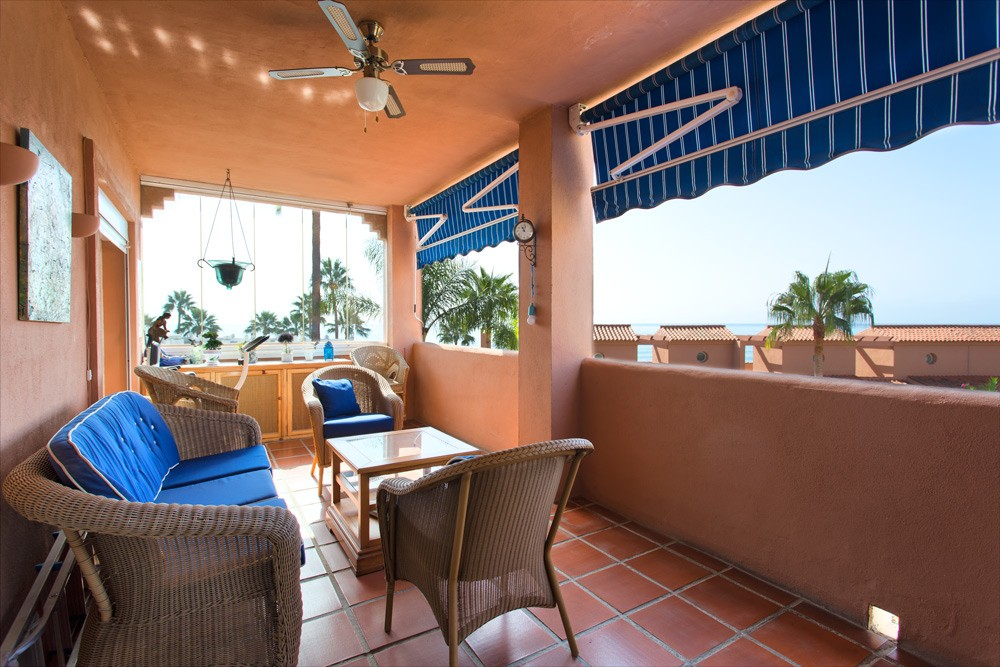 Beach penthouse in Estepona