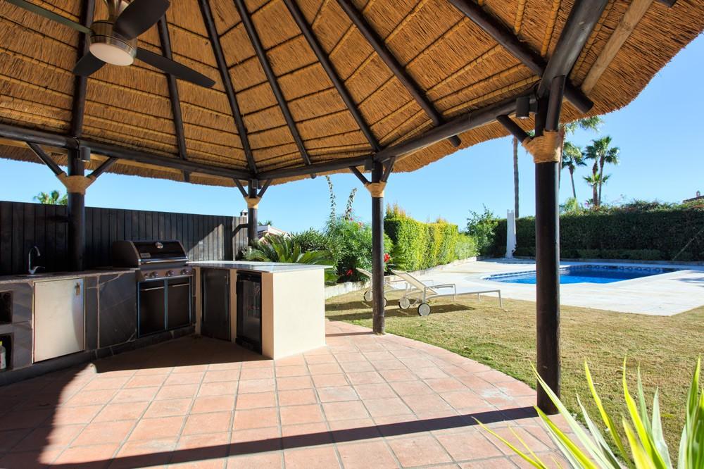 Detached villa in La Duquesa