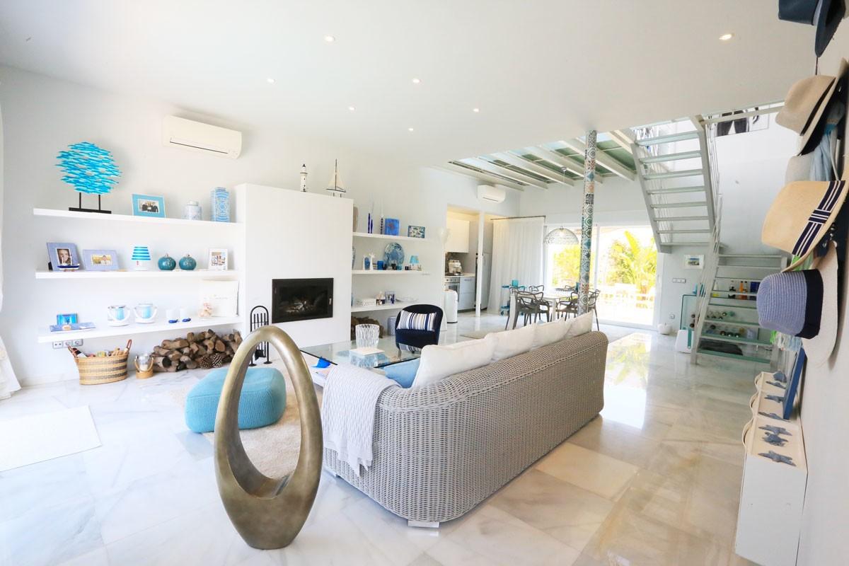 Beach villa in Marbesa Marbella