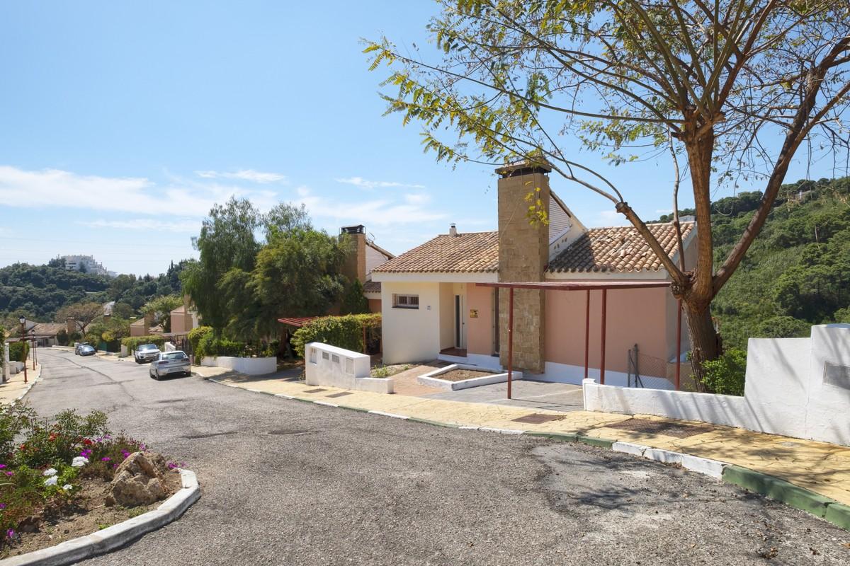 Townhouse in Estepona Forrest Hills