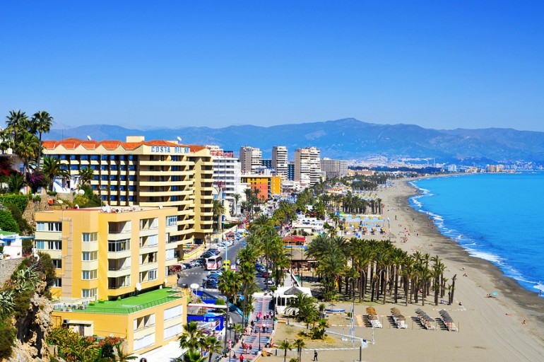 TORREMOLINOS Bajondillo Beach and ocean front