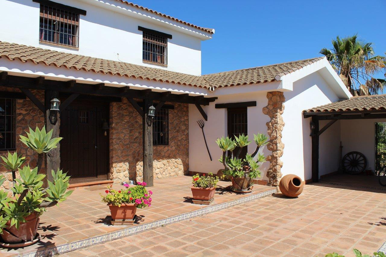 Cortijo for sale in Alhaurin el Grande