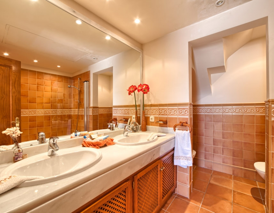 Duplex penthouse for sale in Benahavis Lomas de la Quinta