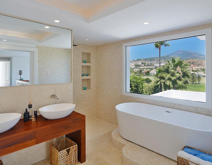Villa for sale in Los Naranjos Nueva Andalucia Marbella