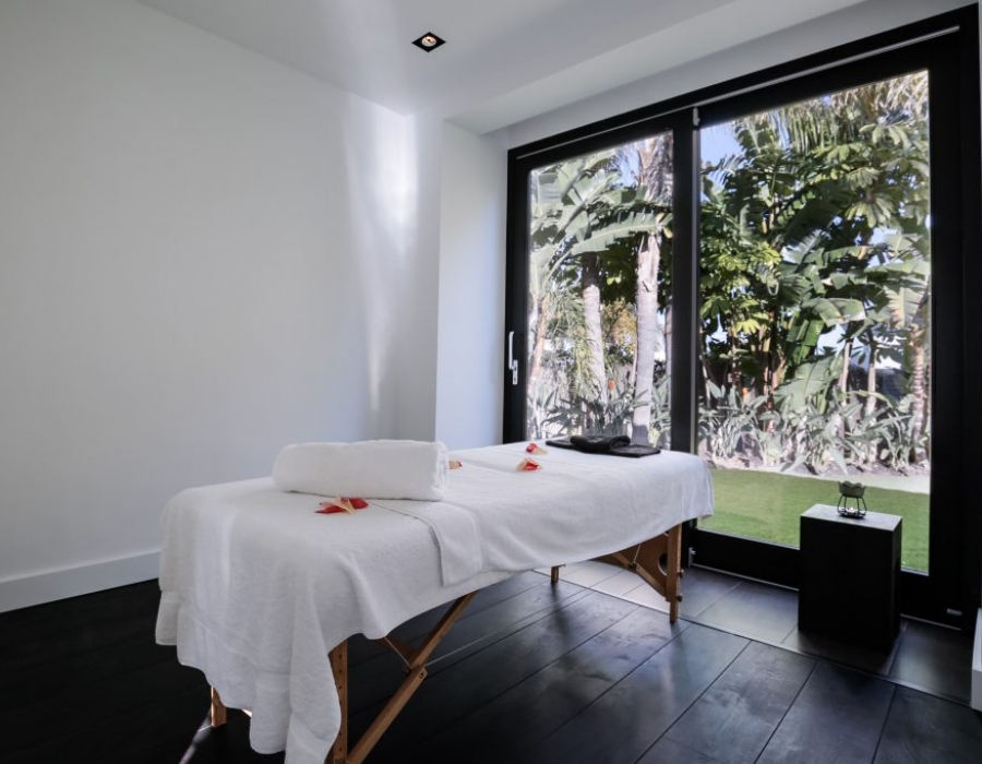 Villa for sale in Los Monteros Marbella