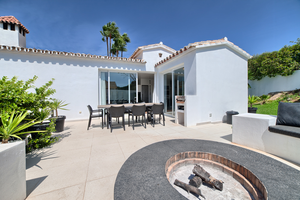 Villa for sale in El Rosario Marbella