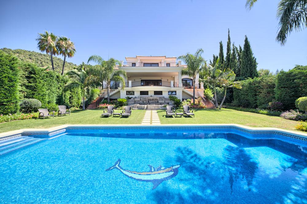 Villa for sale in Marbella Cascada de Camojan
