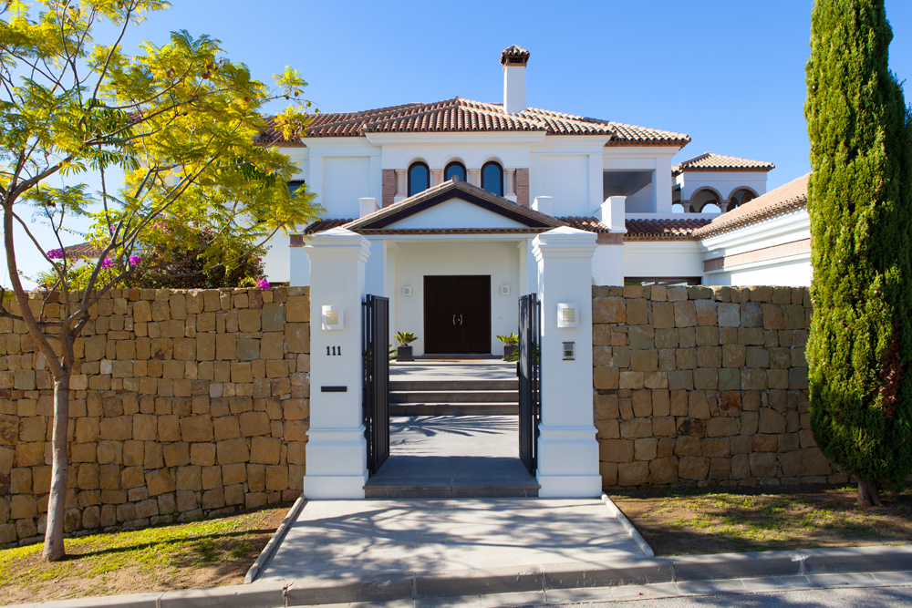 Villa in Los Flamingos Golf Resort for sale (Benahavis)