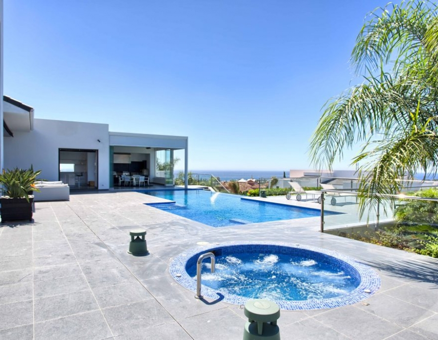 Villa for sale in Benahavis Los Flamingos Golf