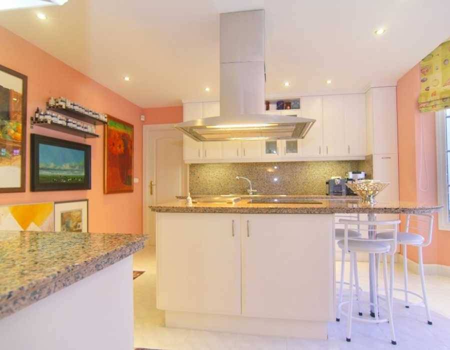 Villa for sale in Elviria Marbella
