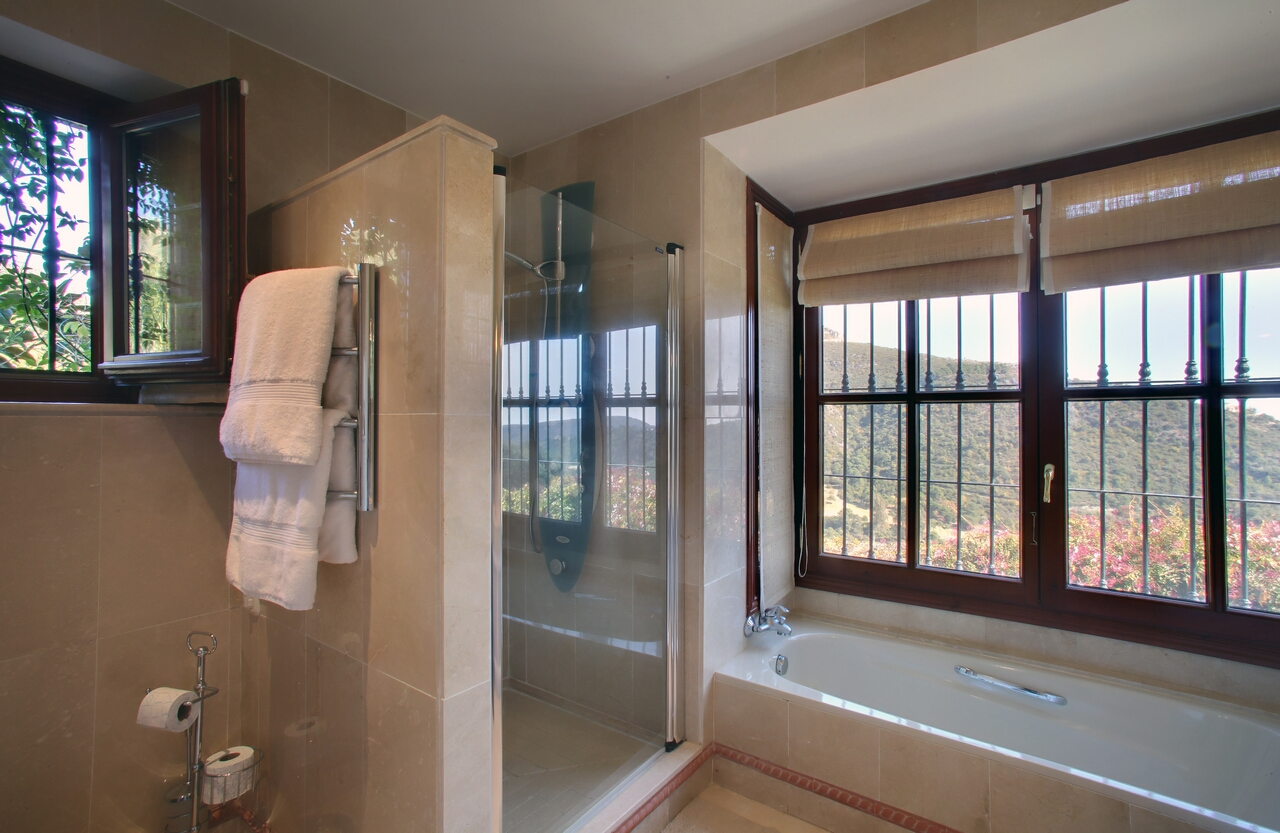 Villa in Benahavis for sale Monte Mayor