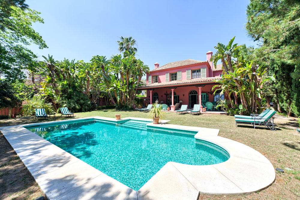 Detached villa for sale in Marbella Hacienda Las Chapas