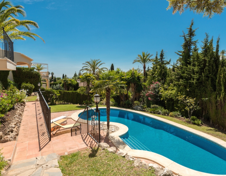 Villa for sale in Marbella Hill Club in Marbella