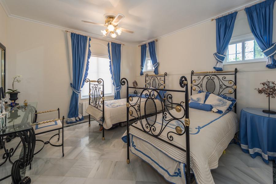 Villa for sale in Marbella Hill Club in Marbella
