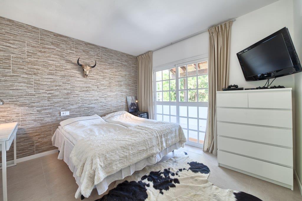 Villa in Nueva Andalucia for sale