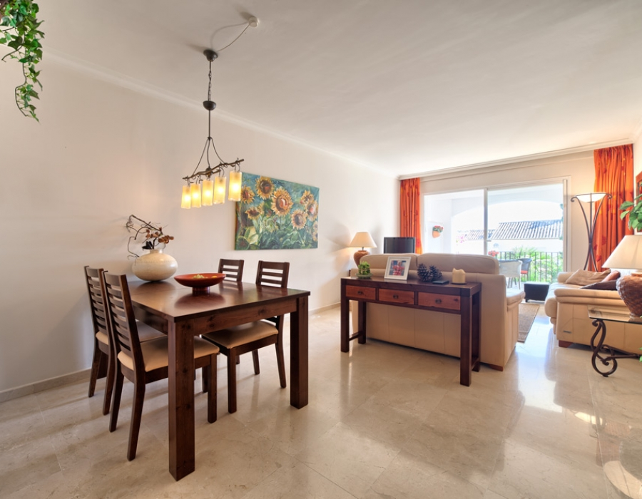 Apartment in Altos de la Quinta for sale (Benahavis - La Quinta Golf)