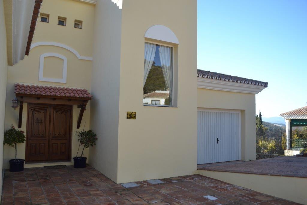Villa in Alhaurin Golf for sale