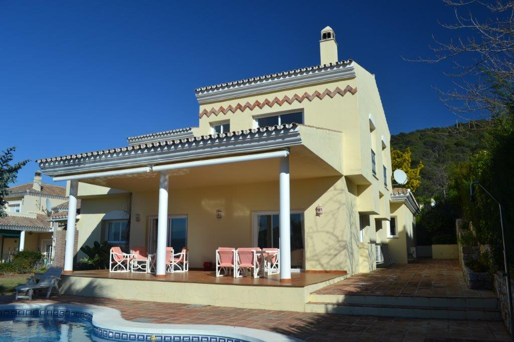 Villa in Alhaurin Golf for sale
