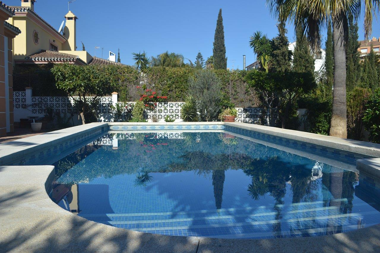 Detached villa in Nueva Andalucia (Marbella) for sale
