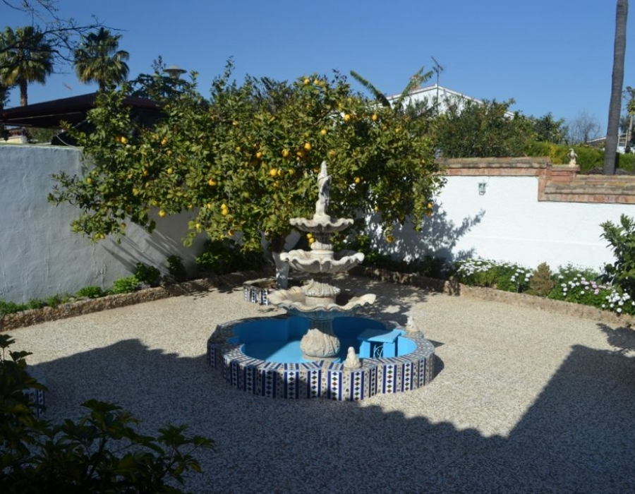 Villa in Churriana for sale