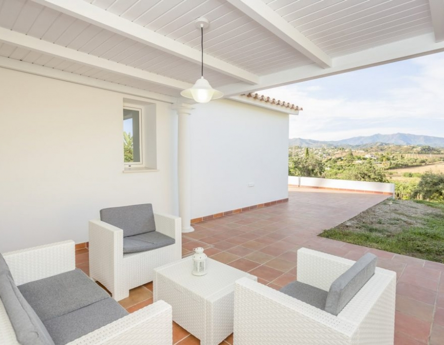 Villa in Estepona for sale (El Padron)