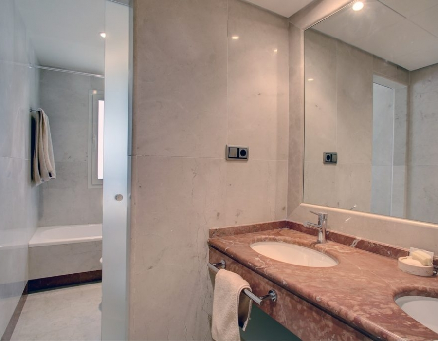 Apartment in Condado de Sierra Blanca for sale (Marbella Golden Mile)