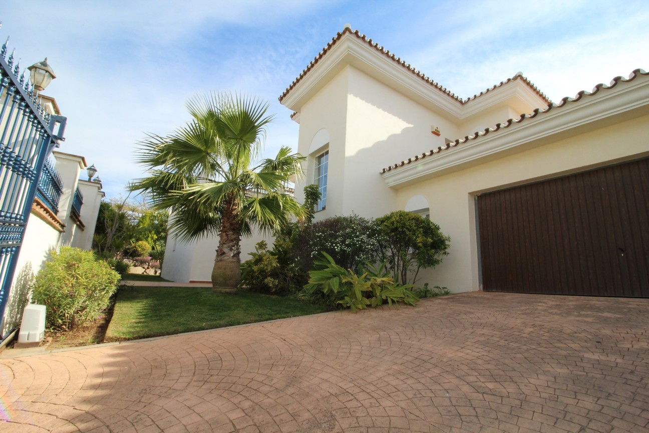 Villa in Alhaurin el Grande (Alhaurin Golf) for sale