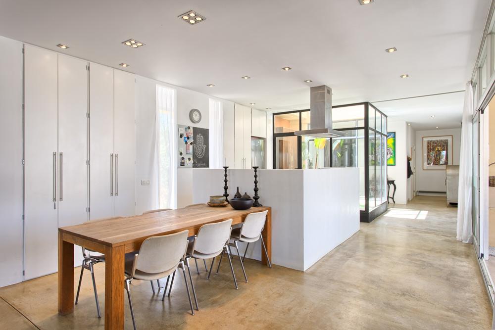 Contemporary design villa in Coin for sale