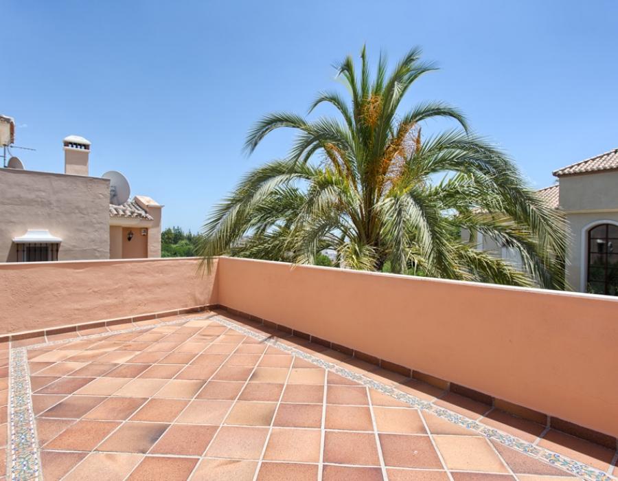 Detached villa in Marbella centre for sale