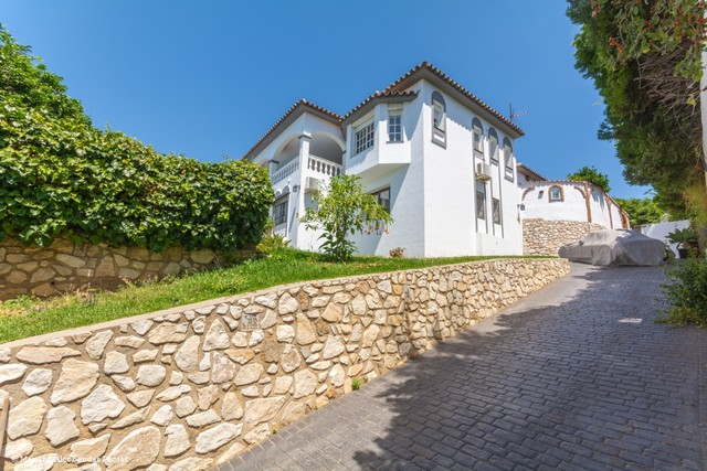 Villa in Sierrezuela for sale (Mijas Costa)