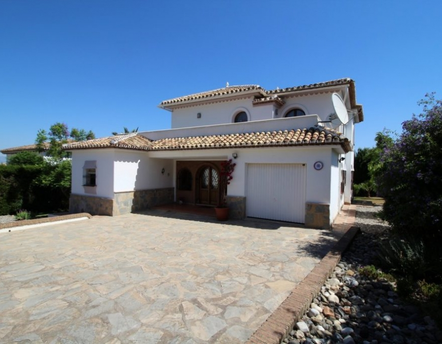 Villa in Alhaurin el Grande for sale