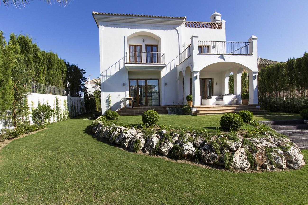 Villa in Estepona for sale (La Resina Golf and Country Club)