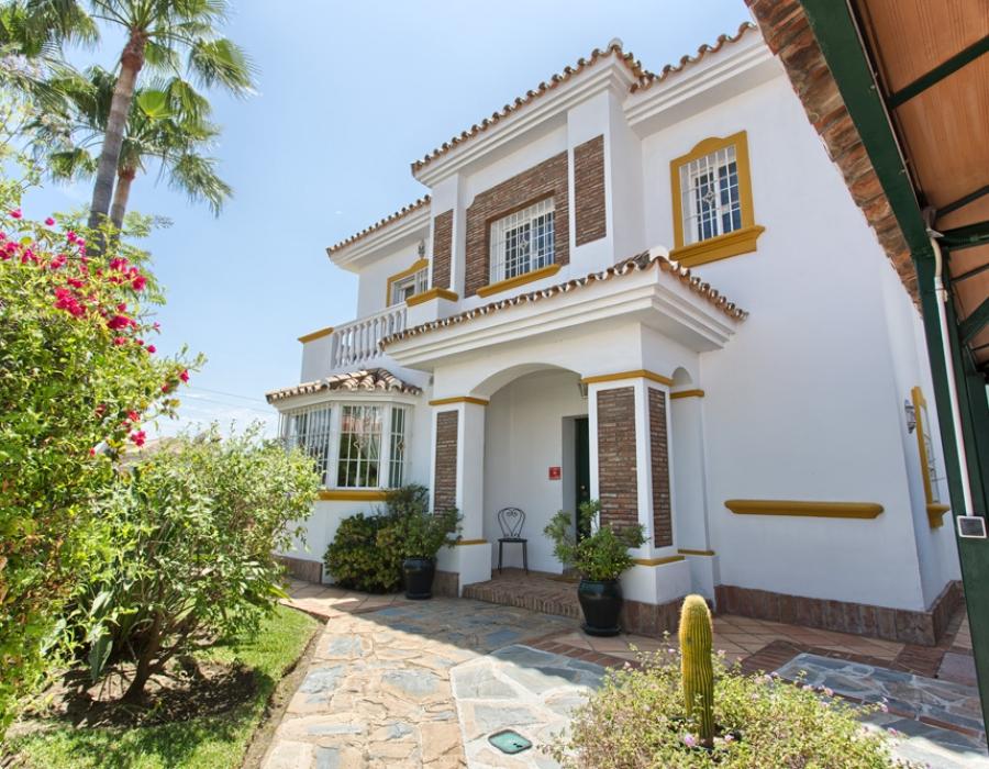 Villa in Monte Biarritz for sale (Estepona)