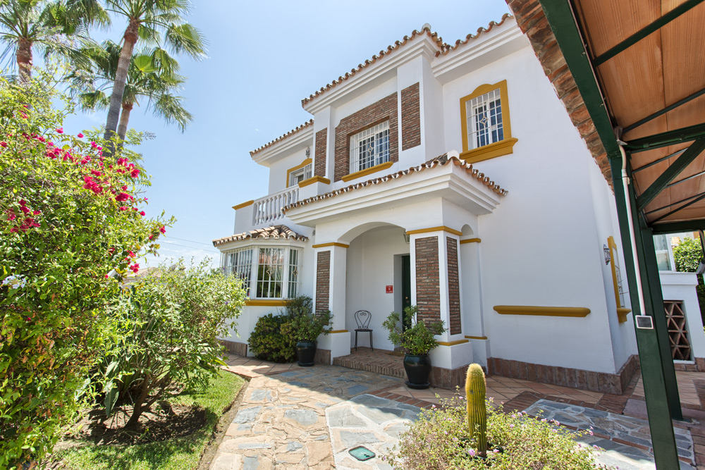 Villa in Monte Biarritz for sale (Estepona)