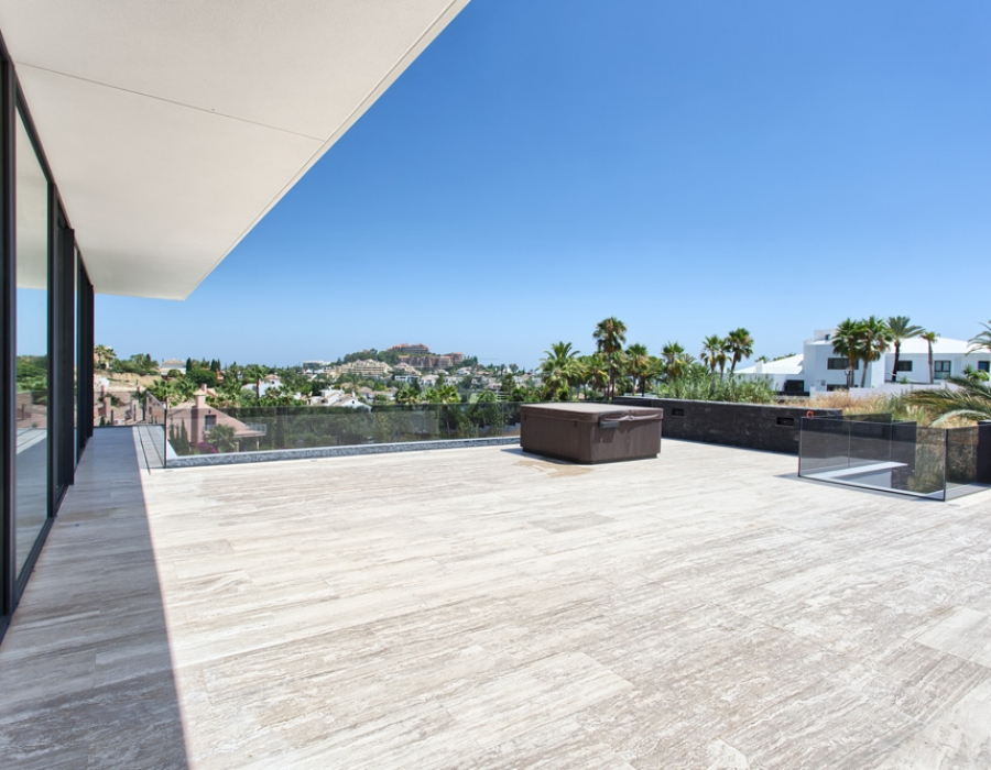 Contemporary villa in Nueva Andalucia for sale