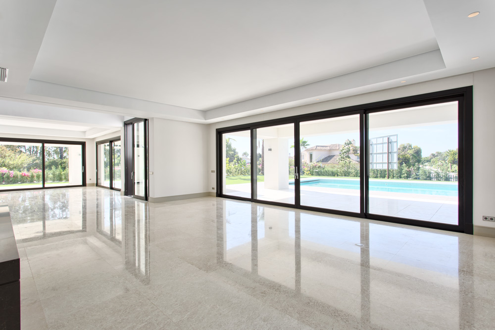 Contemporary villa in Estepona for sale