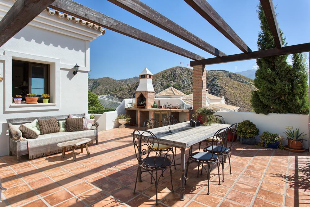 Luxury villa in La Quinta Benahavis for sale