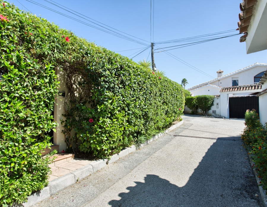 Detached villa in Estepona (Don Pedro) for sale