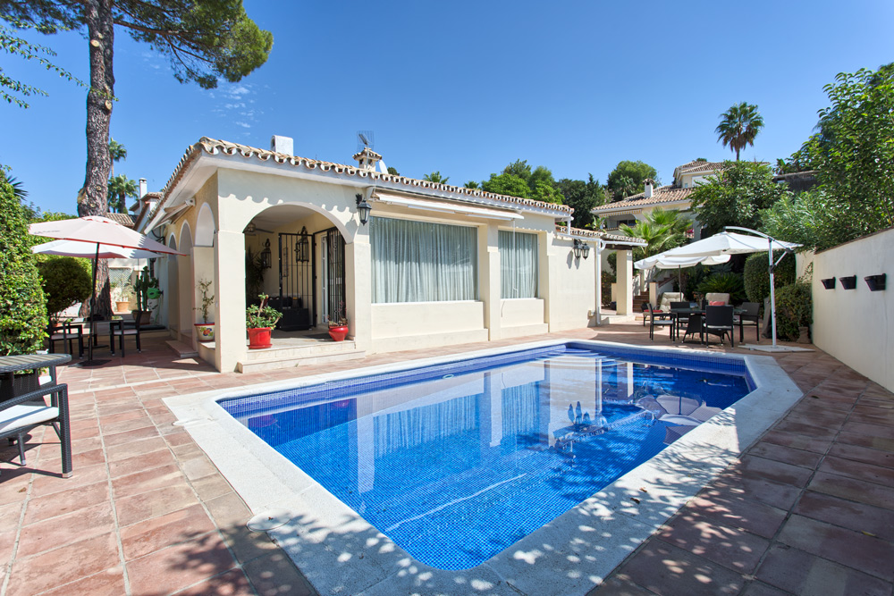 Villa in Guadalmina Alta (San Pedro de Alcantara) for sale