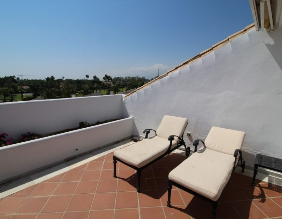 Penthouse in Guadalmina Baja Marbella for sale (Hoyo 15)