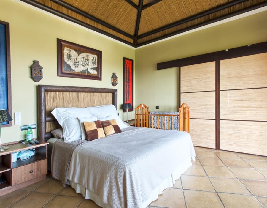 Villa in Puerto del Almendro for sale (Benahavis)