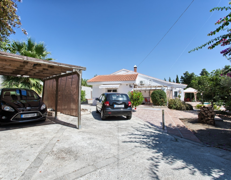 Villa in Alhaurin de la Torre for sale (El Romeral)