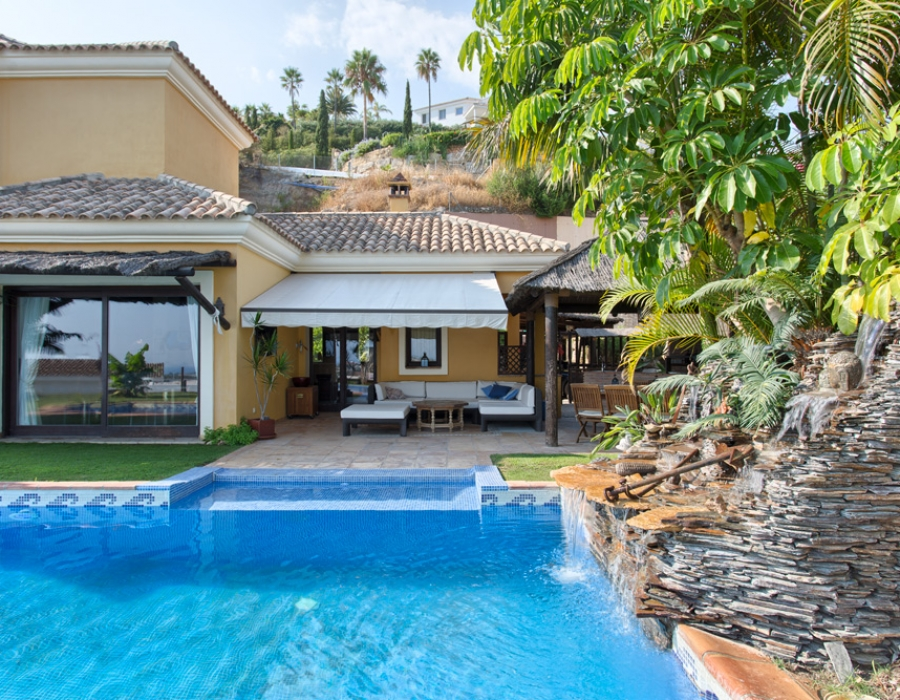 Villa in Puerto del Almendro for sale (Benahavis)