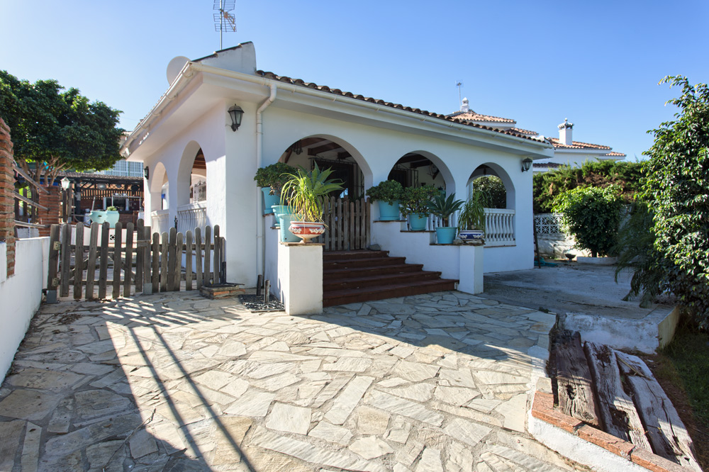 Villa in Pinos de Alhaurin for sale