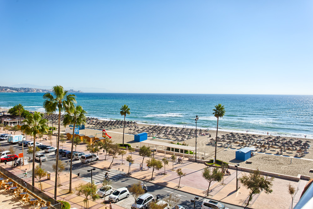 Beach apartment in Fuengirola for sale